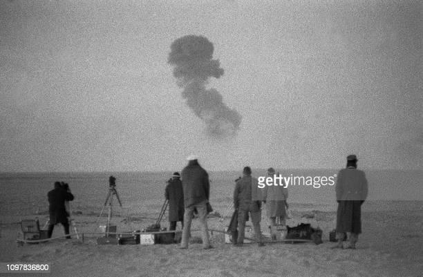 Photo prise le 25 décembre 1961 près de Reggane dans le sud algérien d'essais nucléaires français C'est à Reggane que fut expérimentée la première...
