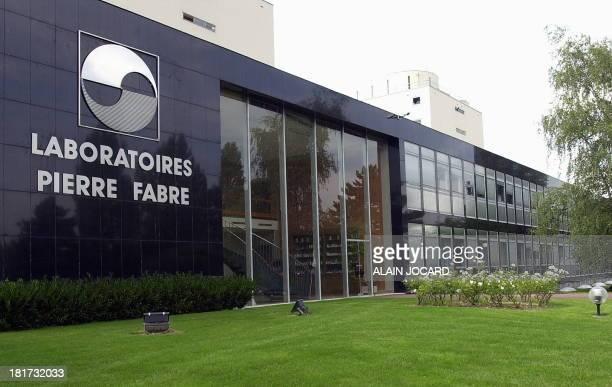 Photo prise le 26 Juillet 2001 de la façade de l'usine de Gien du groupe pharmaceutique Pierre Fabre Le groupe qui porte le nom de son créateur a...