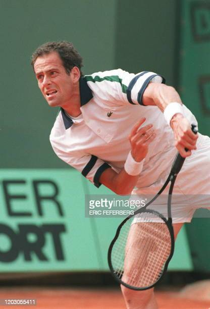Photo prise le 27 mai 1996 du joueur de tennis français Guy Forget lors d'un match des Internationaux de France de tennis de RolandGarros 1996 Guy...