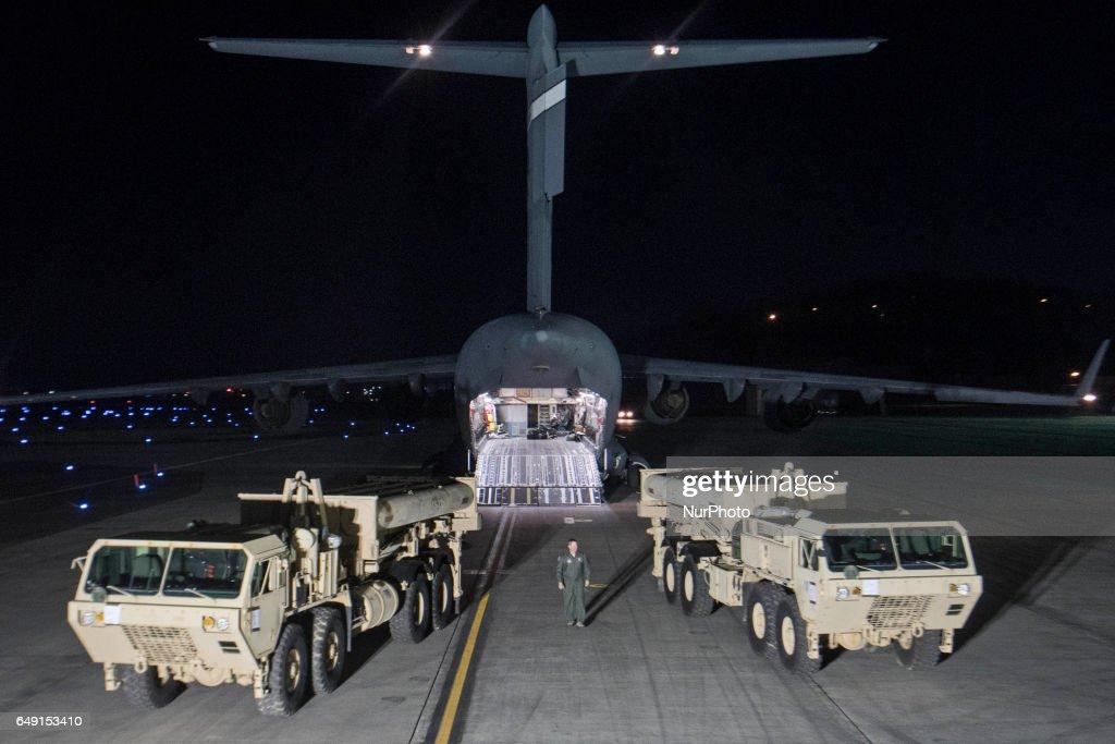 THAAD attives South Korea Airport : News Photo