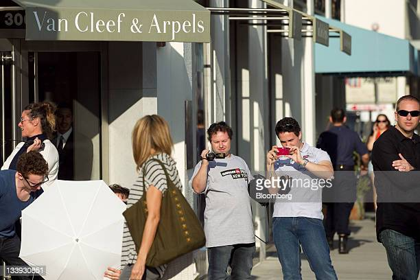 A photo shoot takes place in front of a Van Cleef Arpels store on Rodeo Drive in Beverly Hills California US on Thursday Nov 17 2011 US retail sales...