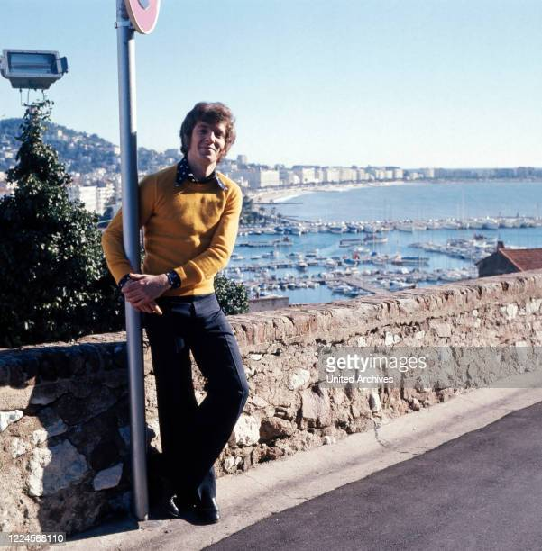 Photo shooting, photo story with the German actor, presenter, singer, composer and book author Michael Schanze, France end of the 1970s.