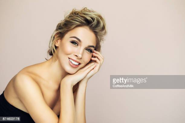 photo shot of young beautiful woman - mulher bonita imagens e fotografias de stock
