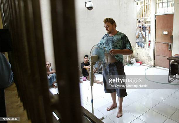 Photo shows alleged heroin Martin Eric Stephens of Wollongong getting cool after another interrogation session in POLDA Bali's police headquarters...