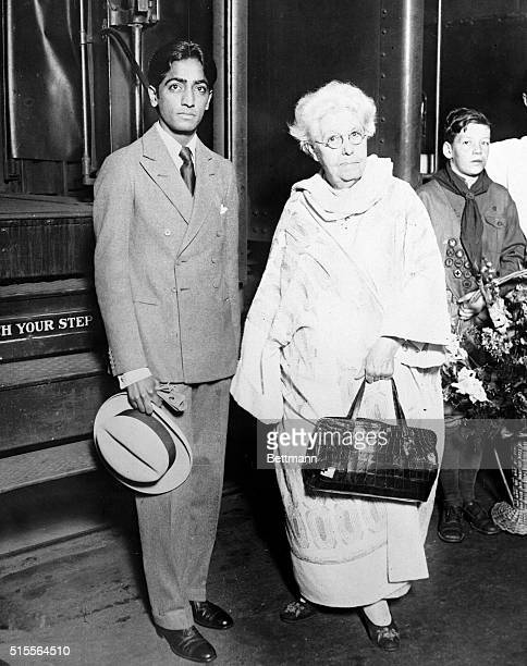 Photo shows Jeddu Krishnamurti Hindu leader of the Theosophists and Mrs Annie Besant leader of the Theosophists and Krishnamurti's foster mother as...