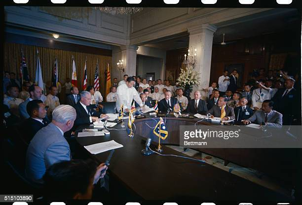 Photo shows leaders signing the Manilla summit agreement at Malcanang Palace Left to right is Australian Prime Minister Harold Holt South Korean...