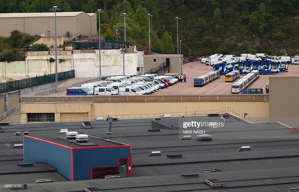 Photo shows part of the Vauxhall plant in Luton, England on May 20, 2010. It was reported today that the workers had agreed to a two year wage freeze starting today. AFP Photo/Max Nash