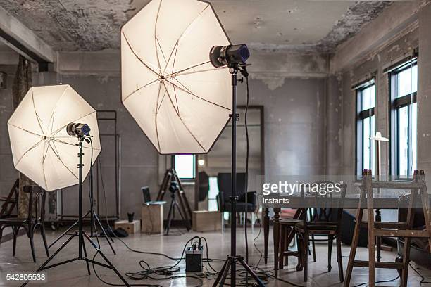 photo studio - stage set stock pictures, royalty-free photos & images
