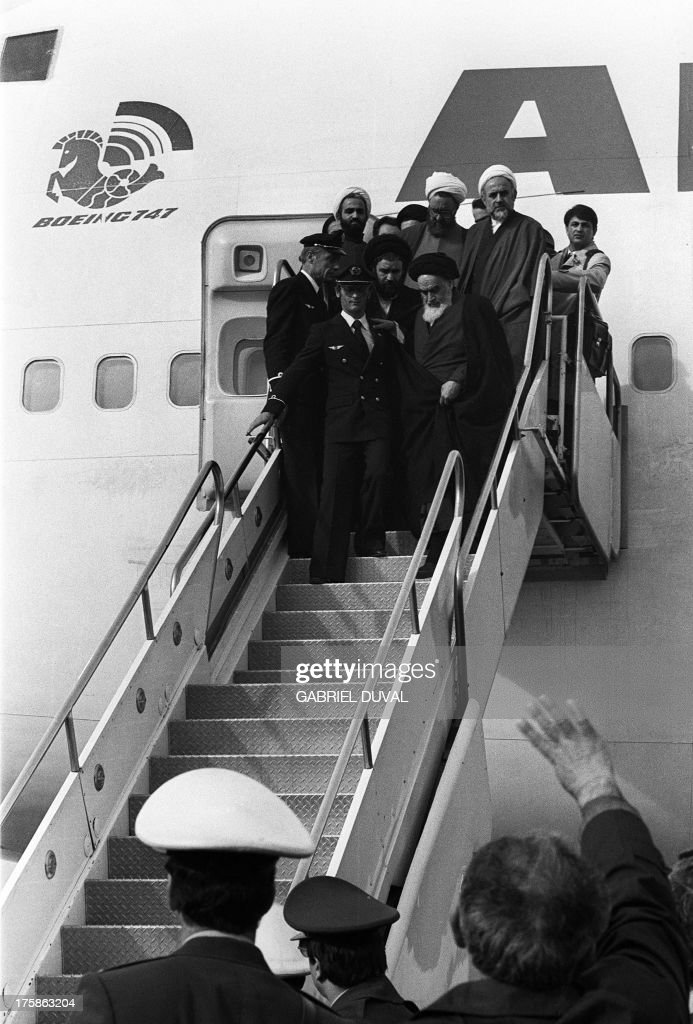 IRAN-FRANCE-TRANSPORT-AIR-HISTORY-KHOMEINI : News Photo