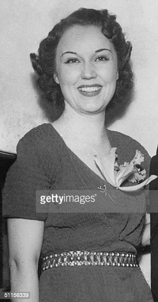 Photo taken 02 June 1936 in Hollywood shows Canadian born actress Fay Wray during a welcome home party hosted by Helen Ferguson after Wray's return...