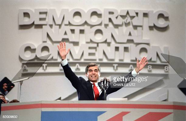 Photo taken 21 July 1988 in Atlanta of US Democratic Party's candidate in the 1988 presidential race Michael Dukakis acknowledging the audience...