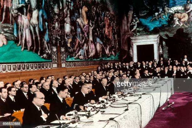 Photo taken 25 March 1957 in Rome shows the signature by the 'six' in Rome at the Capitol of the treaties instituting the EEC et Euratom Foreign...