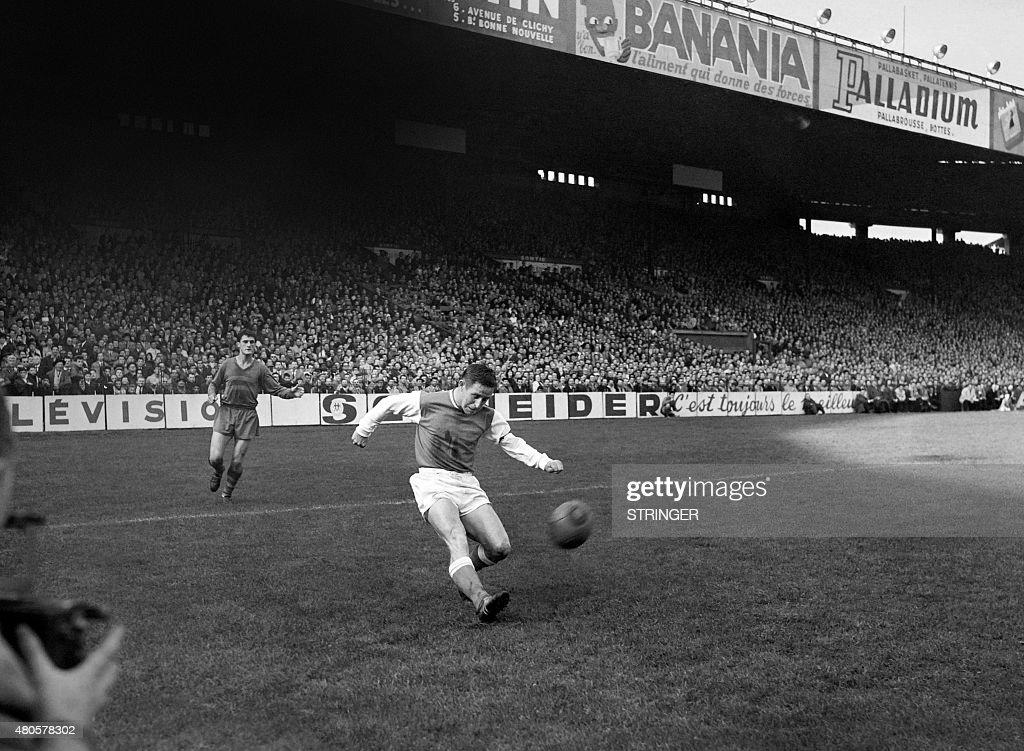 Photo taken in October 1960 shows French footballer Raymond Kopa in action.