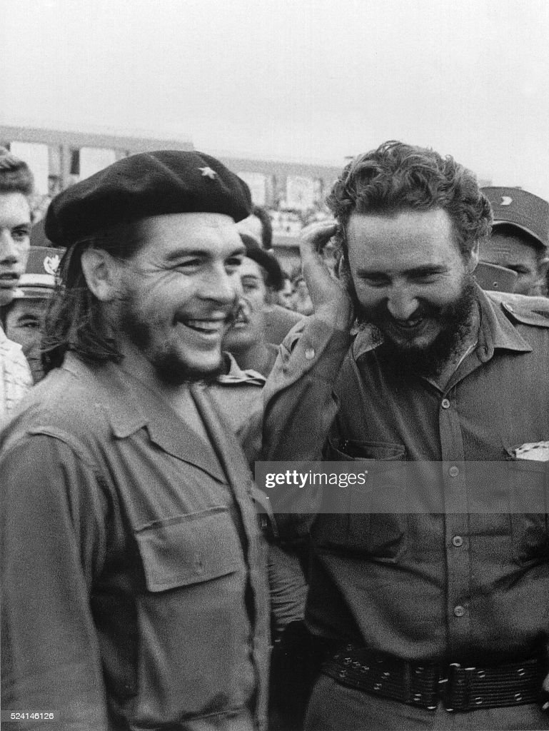 Photo taken in the 60's of then Cuban Prime Minister Fidel Castro (R) during a meeting next to Argentine guerrilla leader Ernesto Che Guevara. AFP PHOTO/CUBA's COUNCIL OF STATE ARCHIVE / AFP / CUBA's COUNCIL
