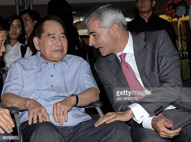 Photo taken October 15 2007 shows Filipino tycoon Henry Sy and Fernando Zobel de Ayala chairman of the board of property firm Ayala Land attend the...