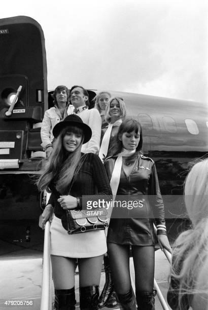 Photo taken on August 21 1970 shows US Playboy Magazine publisher Hugh Hefner film director Roman Polanski his girlfriend actress Barbara Benton and...