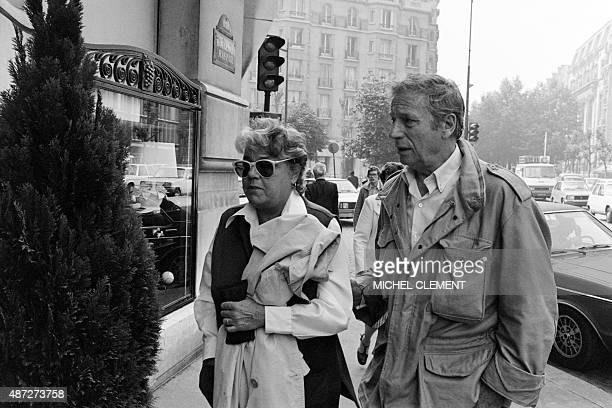 A photo taken on June 20 1979 in Paris shows Simone Signoret and Yves Montant as they arrive at the Lutetia hotel for a press conference for the...