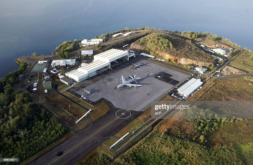 Photo taken on March 16, 2010 shows a Awacs aircraft on the tarmac of the French military base in Lamentin, French overseas department of Martinique, as part of an oparation to fight drug trafficking.