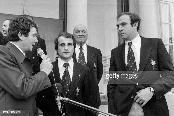 Photo taken on March 3 France's captain jacques Fouroux and player Jean-Pierre Bastiat answer journalists' questions on the steps of the Elysee...