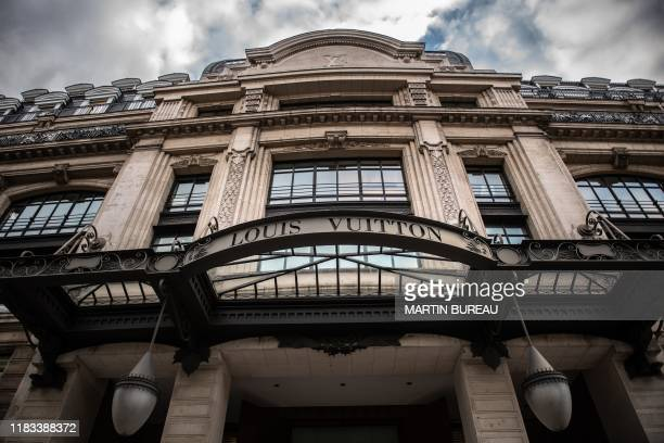 Photo taken on November 19, 2019 shows an outside view of the former Samaritaine shopping center in Paris, owned by LVMH - Moet Hennessy Louis...