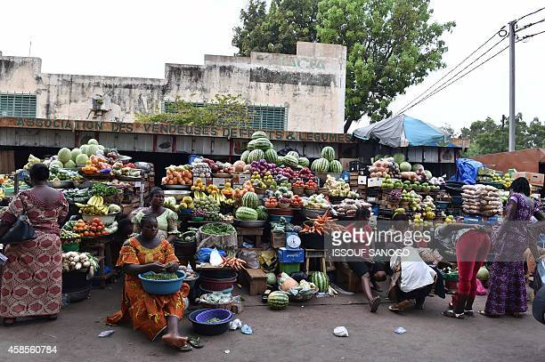 Photo taken on November 6, 2014 shows a partial view of the fruit and vegetable market in Ouagadougou, Burkina Faso. Burkina Faso's army-appointed...