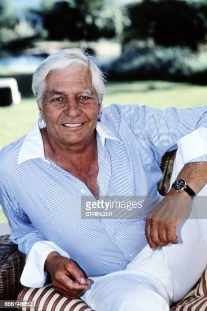 A photo taken on October 19 1992 shows German multimillionaire industrialist Gunter Sachs in SaintTropez southern France AFP PHOTO / AFP PHOTO /...
