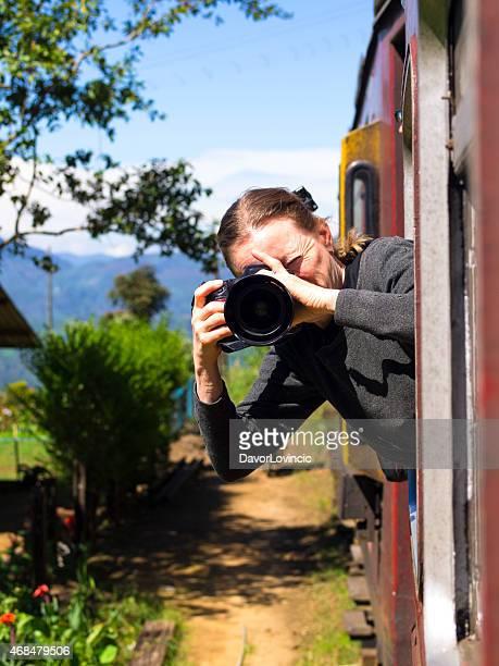 Photo vue du train au Sri Lanka montagnes