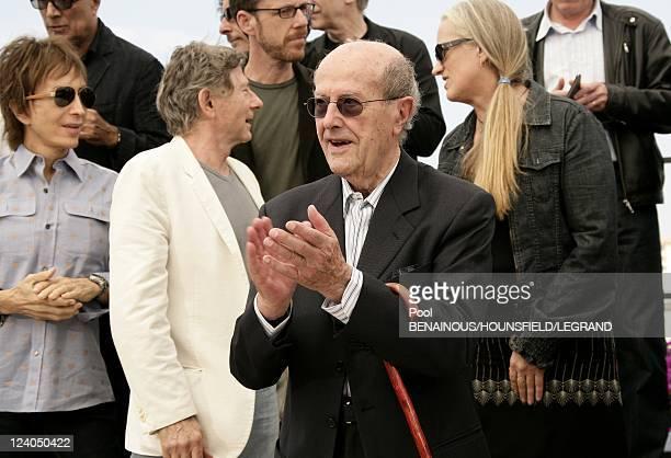 Photocall 'Chacun son Cinema' at the 60th Cannes International Film Festival in Cannes France on May 20 2007 Michael Cimino Roman Polanski Manoel de...