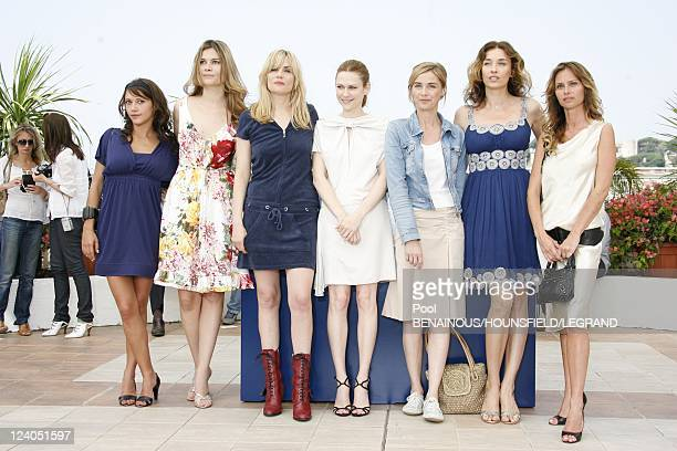 Photocall 'Le Scaphandre et Le Papillon' at the 60th Cannes International Festival In Cannes France On May 22 2007 Emma De Caunes Emmanuelle Seigner...