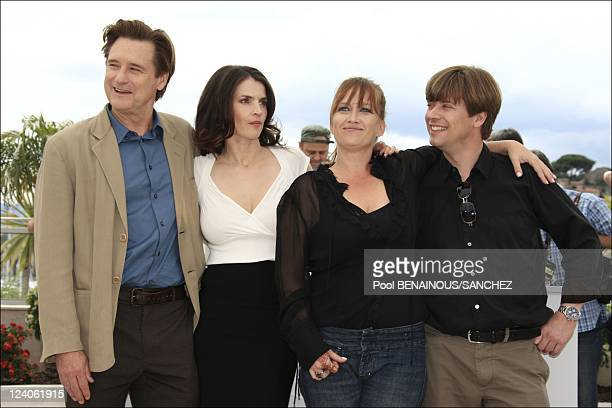 Photocall of 'Surveillance' at the Cannes film festival In Cannes France On May 21 2008 Bill Pullman Julia Ormond Jennifer Chambers Lynch Marco...
