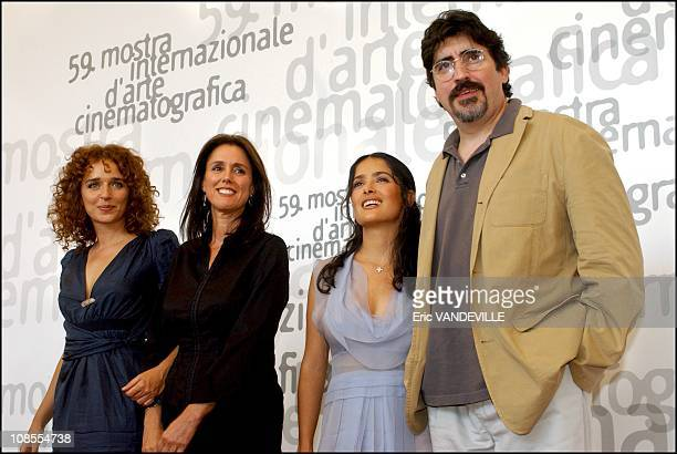 PhotoCall of the film Frida by Julie Taymor with Mexican actress Salma Hayek actress Valeria Golino and Alfred Molina Left to right Valeria Golino...