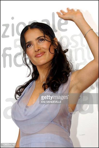 PhotoCall of the film Frida by Julie Taymor with Mexican actress Salma Hayek actress Valeria Golino and Alfred Molina Salma Hayek in Venice Italy on...