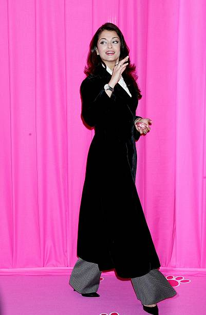 Photocall `The Pink Panther2` At The Georgesv Hotel In Paris France On February 10 2009 Aishwarya Rai