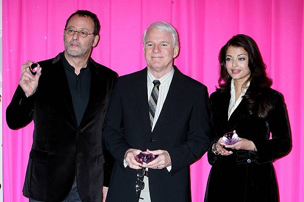 Photocall 'The Pink Panther2' At The Georgesv Hotel In Paris France On February 10 2009 Jean RenoSteve MartinAishwarya Rai