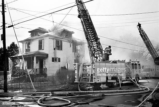 1/31/99 photog CRAIG HERNDON/TWP Location SW corner 13th and Stafford NArl caption A house on the NW corner at above intersection was totaled by fire...