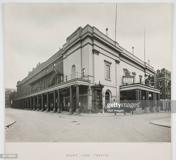 Photograph by Harry Beford Lemere of the Drury Lane Theatre which was built for the fourth time in 1791