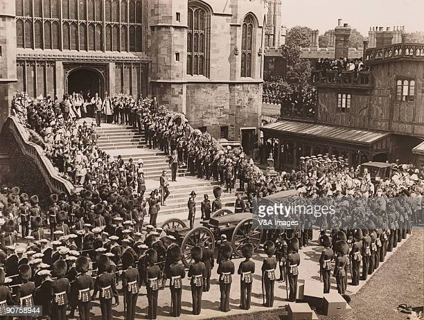 UNITED KINGDOM NOVEMBER 15 Photograph by Horace W Nicholls of the funeral of King Edward VII at St George's Chapel Windsor Officers salute as the...