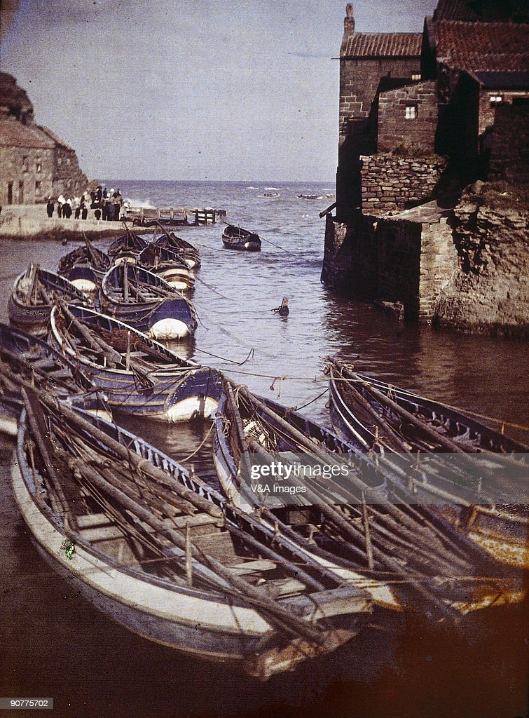 �Staithes Harbour�, early 20th century. : News Photo