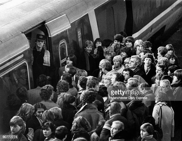 Photograph by Ken Lennox concerning the Advanced Passenger Train service