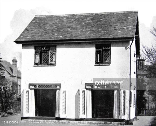 Photograph of a 1940s house suitable for expansion.