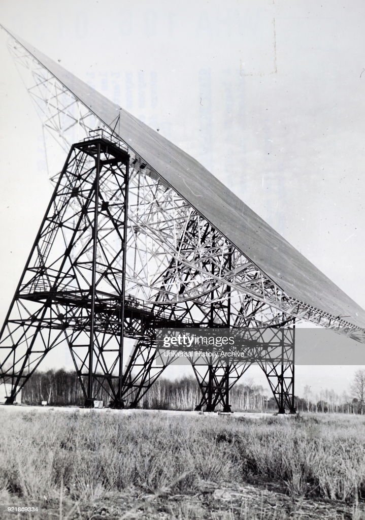 A radio telescope. : News Photo