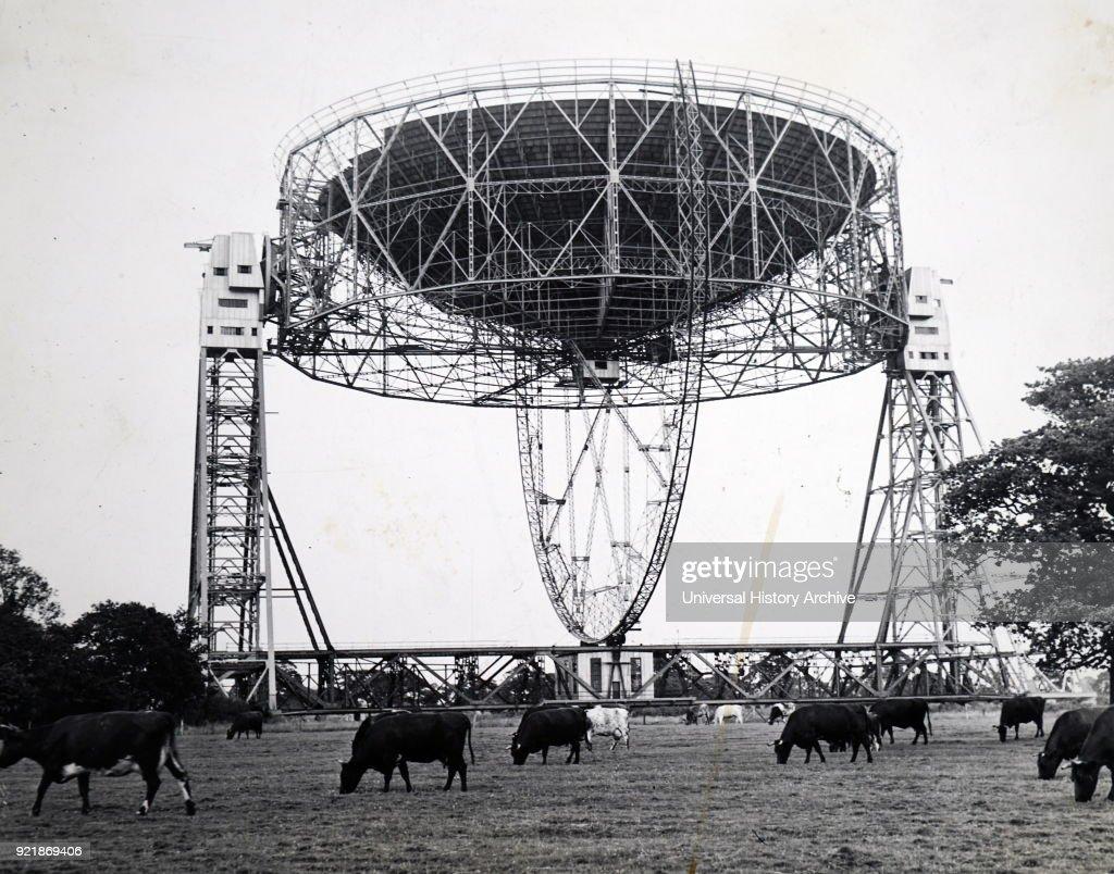 A radio telescope. : News Photo
