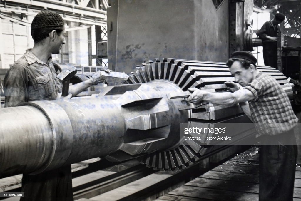 Photograph of an M-5 Turbo Generator being constructed according to Soviet designs. Dated 20th century.