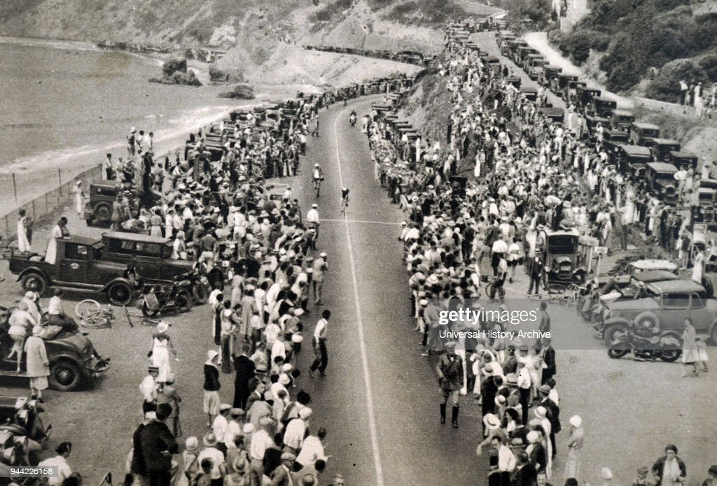The 100km road race at the 1932 Olympic games. : Foto jornalística