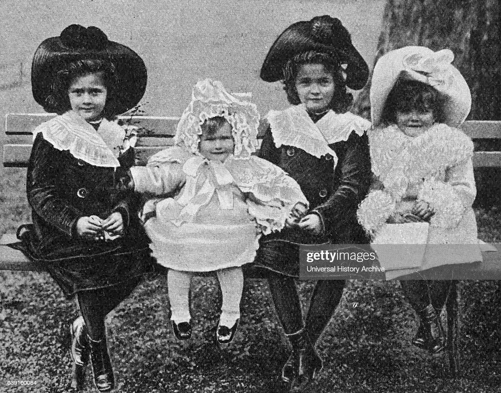 The four eldest children of the Tsar Nicholas II of Russia. : News Photo
