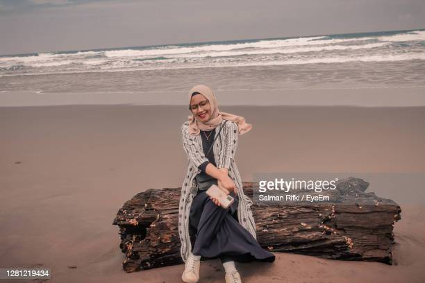 photograph of the hijab model - models in stockings stock pictures, royalty-free photos & images