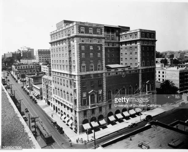 Photograph of the Jonathan Club 6th Street and Figueroa Street Los Angeles 30 October 1930 Streetscape Horizontal photography6th Street Figueroa...