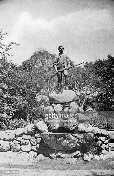 Photograph of the Lexington Minuteman statue representing Captain John Parker sculpted by Henry Hudson Kitson and erected in 1900 Lexington...