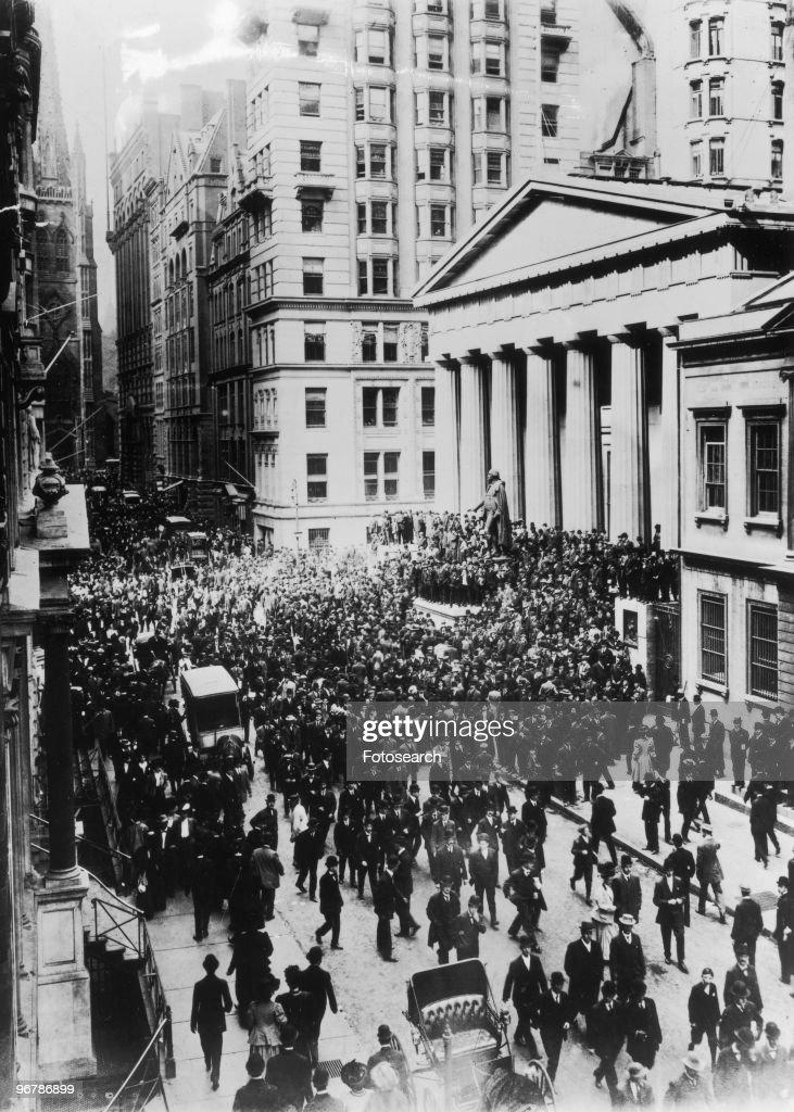 Wall Street : News Photo