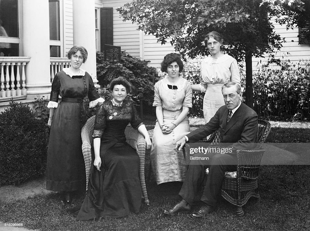 Woodrow Wilson And Family On Porch : News Photo